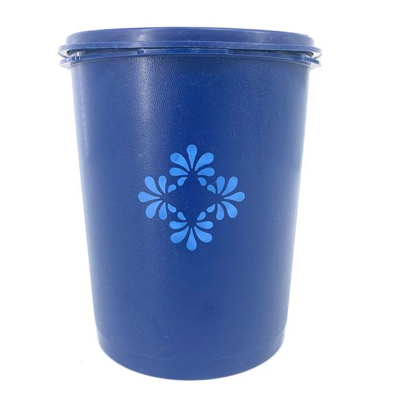 Tupperware Other - Tupperware Blue Floral Servalier Canister No. 809